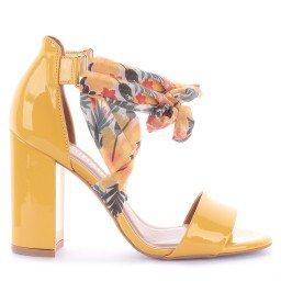 Sandália Milay Verniz Amarelo Marca Camminare