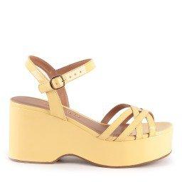Sandália Sara 817-12730 Verniz Amarelo Marca Camminare