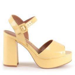 Sandália Lara 826-12773 Verniz Amarelo Marca Camminare