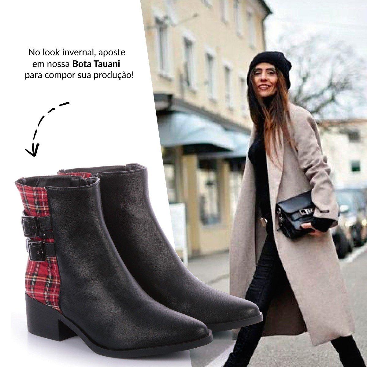 look de inverno com bota xadrez