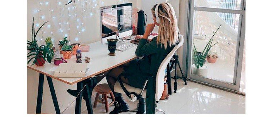 Calçados confortáveis para usar no home office sem perder o estilo